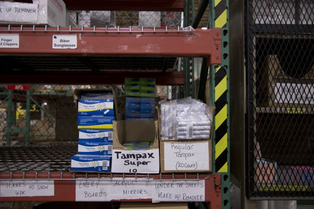Oregon jails to give tampons to women inmates