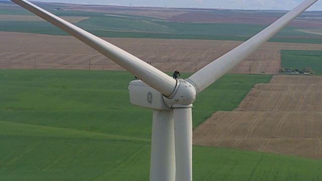 What Happens When Wind Turbines Get Too Old? | eClips